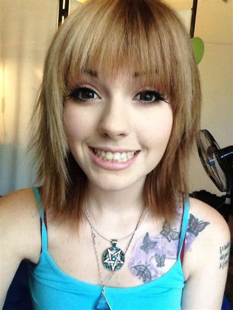 half brown half blonde hair leda muir with short half and half blonde and brown hair