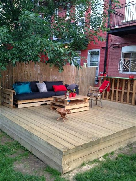25 best ideas about pallet patio decks on