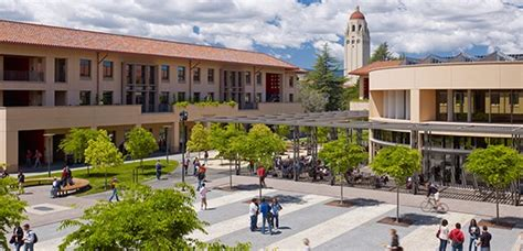 Stanford Entrepreneurship Mba by Stanford Gsb Class Of 2018 High Gmats Increasing