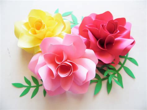Paper Flower 3 s crafty in a bed of paper roses how to make