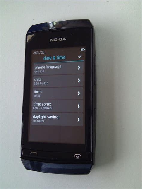 Kabel Data Nokia Asha 305 nokia asha 305 15 techweez