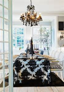 10 stylish black and white christmas d 233 cor ideas digsdigs