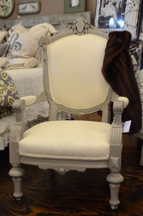 chalk paint in fabric 1000 ideas about chalk paint chairs on