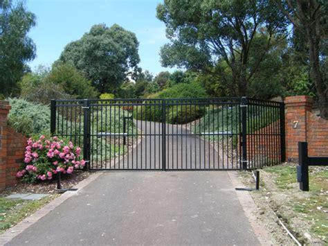 swinging gates melbourne sliding swinging gates modern gates melbourne