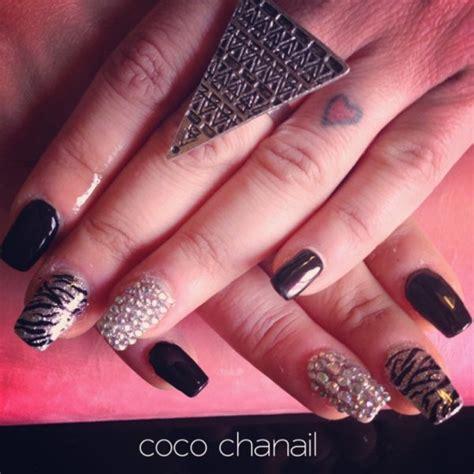 modèle pose ongle gainage sur ongles naturels gel noir et paillet 233 d 233 co