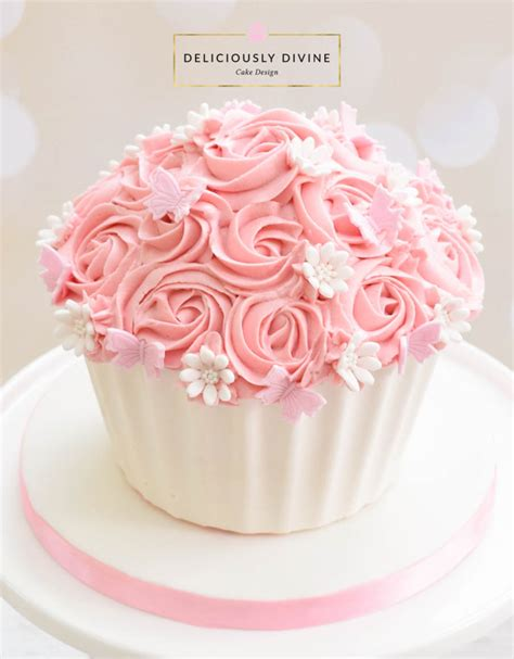 Cupcake Birthday Cake by A Cake Smash Cupcake For A 1st Birthday Sweet