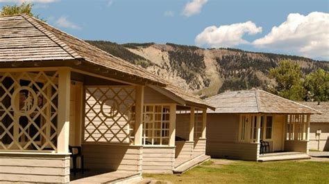 Mammoth Springs Arkansas Cabins by Mammoth Springs Hotel Cabins Yellowstone National