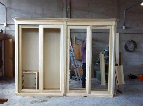 ripiani per armadi su misura armadio su misura attrezzato con cassettiere appese ripiani
