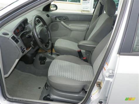 2005 ford focus zxw ses wagon interior photo 61287392