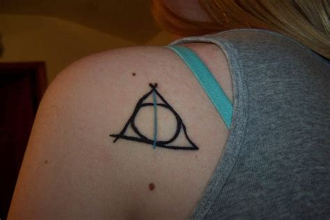 deathly hallows symbol tattoo harry potter symbol creativefan