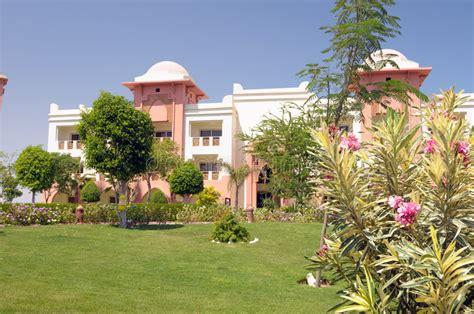 giardini lussuosi giardini lussuosi dell hotel fotografia stock immagine
