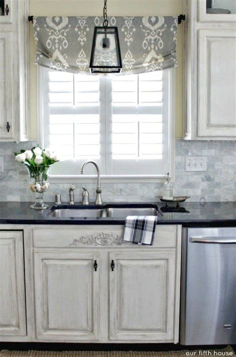 kitchen window valances ideas 25 best ideas about valance window treatments on