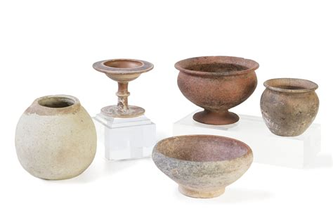 Vasi Antichi Etruschi by Quattro Vasi In Ceramica Acroma Etruschi E Dauni Ed Una