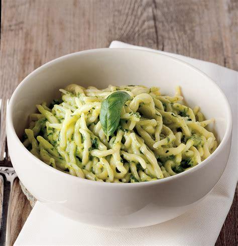 come fare il pesto alla genovese in casa come fare il pesto alla genovese la cucina italiana
