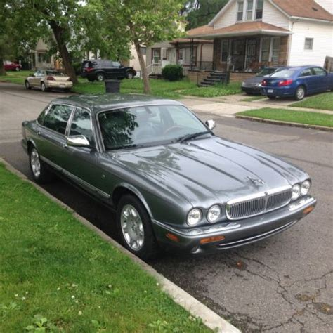 2002 jaguar vanden plas for sale sell used 2002 jaguar vanden plas base sedan 4 door 4 0l