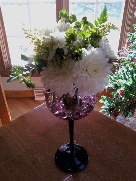 flower arrange in wine glass   wine glass flower