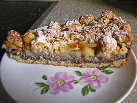herbstliche kuchen birnen kuchen mit nuss streusel rezepte chefkoch de
