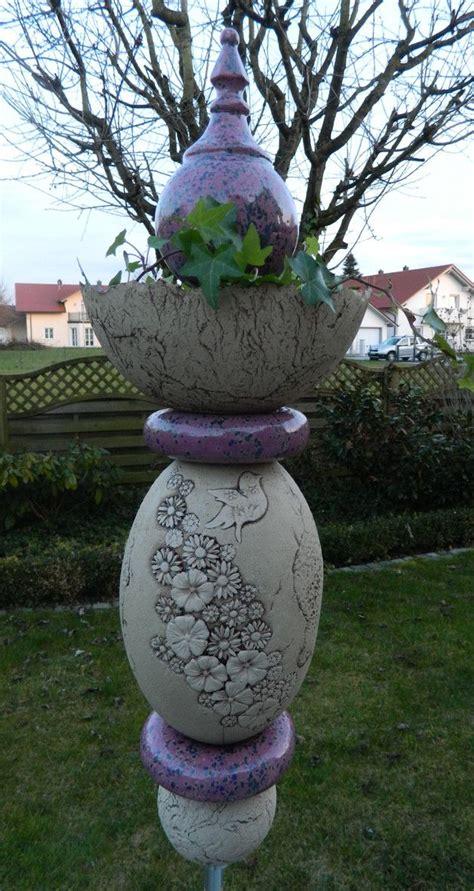 Aus Was Besteht Keramik die stele besteht aus acht einzelelementen aus keramik
