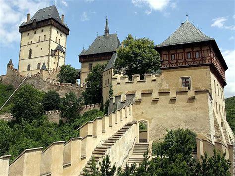 beautiful castles top 10 beautiful castles around the world civil engineering