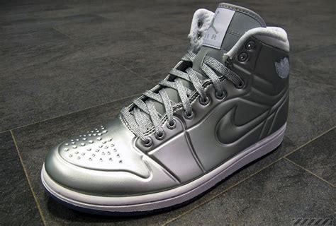 Sandal Wanita Hailee Sneakers Shoes Silver Perak Ndx 5 sepatu yang katanya paling mahal di dunia masa sih mahal mahal diinjek juga dagelan