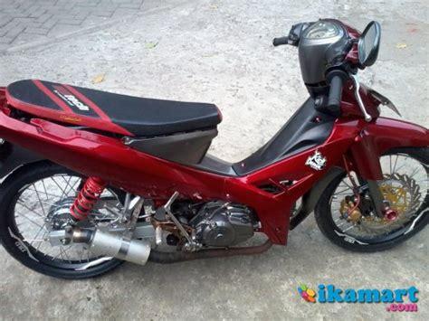 Yamaha R New Tahun 2008 Merah by Yamaha R 2008 Merah Modif Motor
