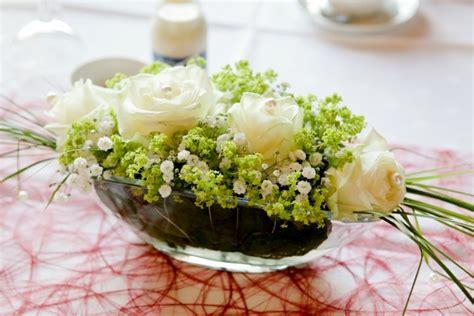 Blumenschmuck Hochzeit Selber Machen by Hochzeitsdeko Blumengestecke Selber Machen Hochzeit