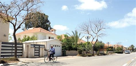 buy house israel globes english jews from abroad buying fewer homes in israel