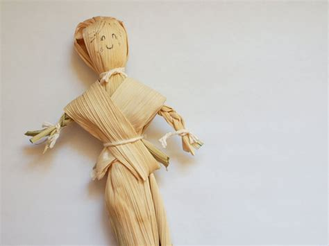 corn husk doll diy how to make corn husk dolls 13 diys guide patterns
