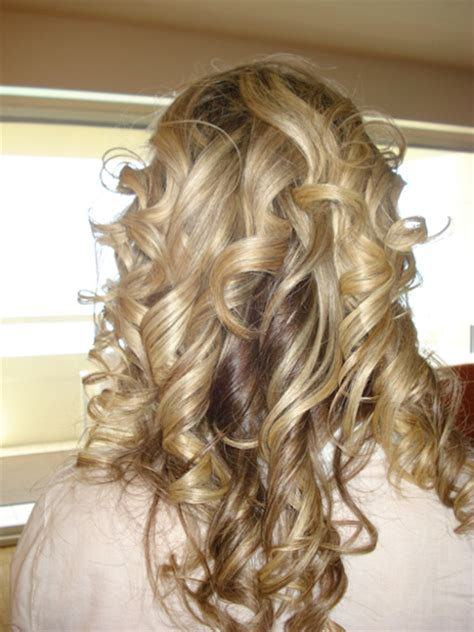 loose curl hairstyles for weddings wedding hair loose curls