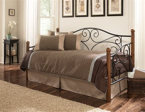 daybed images the pictures of comfy and lovely daybeds that invite you