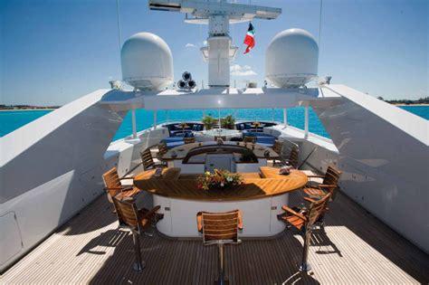 rock star   charter  ohana super yacht
