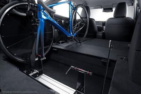 Fahrradhalter F R Auto Innenraum by Innenraum Fahrradtr 228 Ger F 252 R Den Honda Spothits