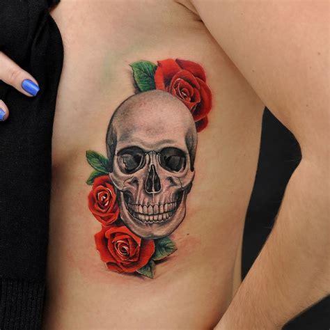 tattoos de flores tatuagem de caveira rosas vermelhas por fernando