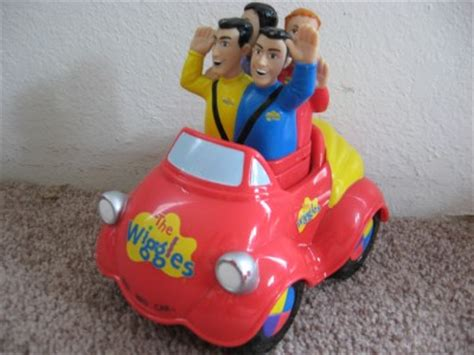 Big Comfy With A Wiggle And A Giggle by Wiggles Big Car Wiggle N Giggle Motorized Push Top