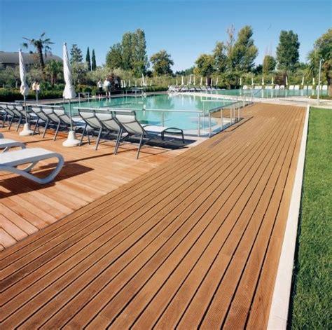 pavimenti legno massello pavimento in legno massello per esterni