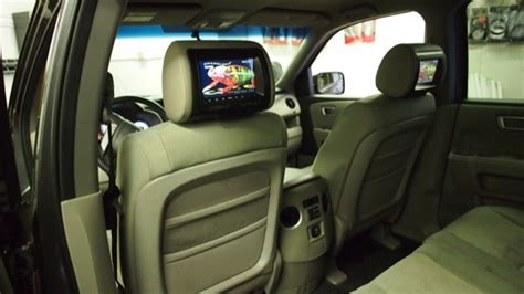 honda headrest video system eliminates annoying rear seat whine