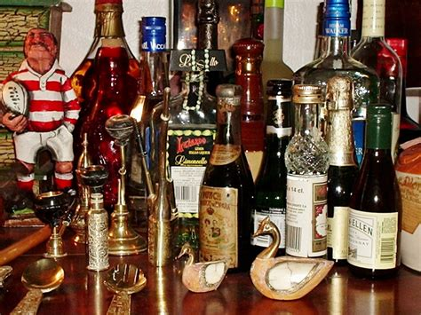 what is the difference between liquor and liqueur 28 images the difference between liqueur