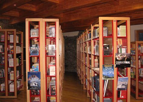 scaffali per cd scaffali per libreria scaffali a scala scala per libreria