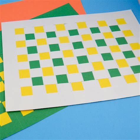 How To Make Mat With Paper - how to weave paper place mats friday craft projects