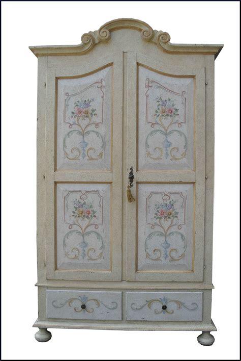 armadi dipinti armadio provenzale dipinto e decorato a mano mobili