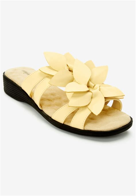 the paula sandal by comfortview 174 plus size casual sandals