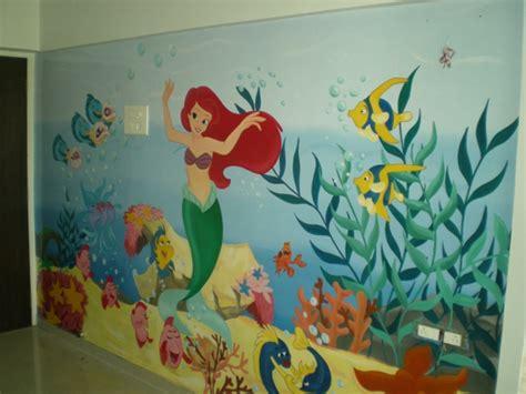 babyzimmer gestalten disney wandmalerei im kinderzimmer magische welten entdecken