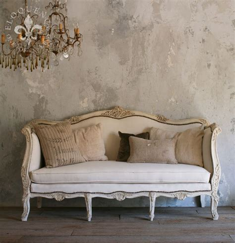 couche in french best 25 vintage sofa ideas on pinterest