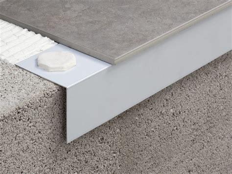 prodotti per isolare terrazzi profilo e scossalina per impermeabilizzazione
