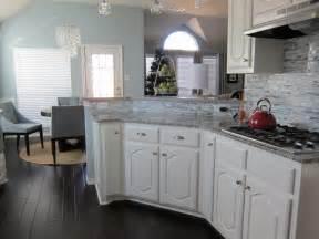 25 elegant kitchens with hardwood floors