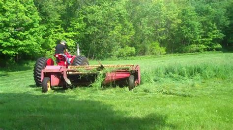 what is the best cut my first cutting of small hay field 2011 hay season youtube