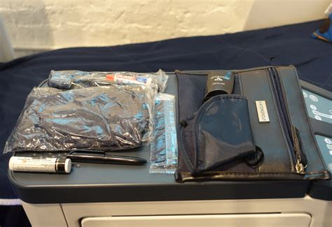 Tas Amenity Kit Viktor Rolf From Klm Business Class Jf0o klm pop up store in nyc and klm new business class seats