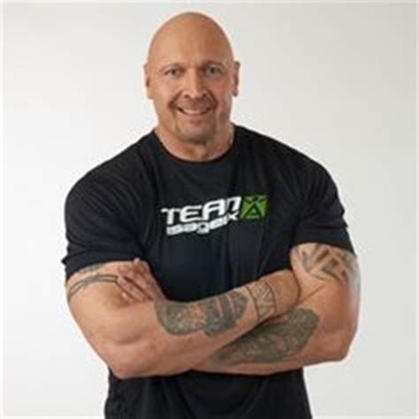 tony mandarich bench press nfl football player tony mandarich isagenix athletes