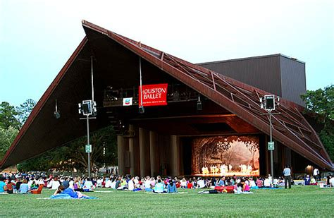 Miller Out Door Theater by Top 25 Free Things To Do In Houston Tx Southern Savers