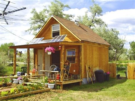 600 Square Foot House Plans by Author Builds Tiny Solar Powered Off Grid Cabin For Under